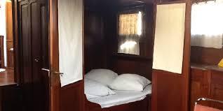 peniche chambre d hote lyon studio péniche au bord de la saone à lyon une chambre d hotes