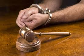 what is the difference between an arrest warrant and a bench warrant