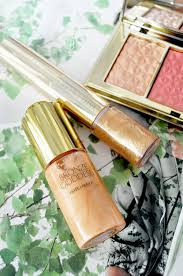 good summer makeup and beauty products for traveling