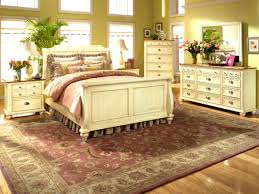 bedroom lovely country style bedroom chairs decorating ideas