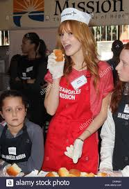 thorne at the los angeles mission s thanksgiving for skid