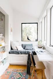 bureau dans une chambre aménager un coin bureau dans un studio un appartement ou une