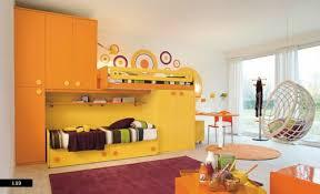 kinderzimmer ausstattung kinderzimmer design idee in weiß und gelb origineller vorschlag