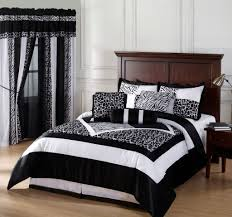 Bedroom Sets Queen Bedroom Mesmerizing Black And White Bedding Set With Stripe And
