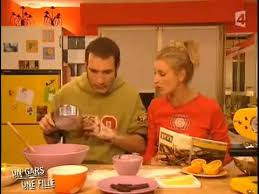 un gars une fille dans la cuisine 963d25dc257d0cbe5ccdbcc83711e1852e32634b jpg