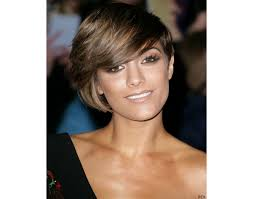 short hairstyles for women with round faces and thick hair best