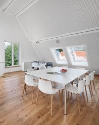 Besprechungstisch Besprechungstisch Weiß Meetingpoint Akustikdecke Holzboden