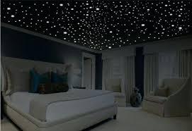chambre led plafond etoile chambre une chambre lumineuse avec un plafond