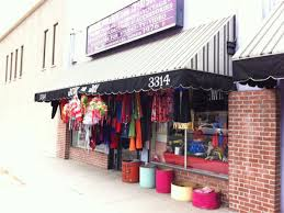 Halloween Town Burbank Ca by 17 Places To Pick Up A Super Last Minute Halloween Costume