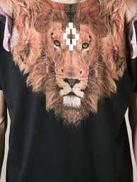 lion print marcelo burlon lion print tshirt in black for men lyst