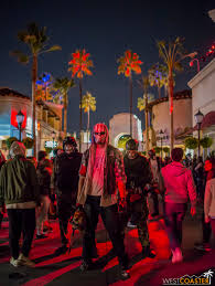 scare zones halloween horror nights universal studios hollywood halloween horror nights 2016 scare