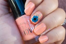 pretty in peach by maybelline color show nails of the week