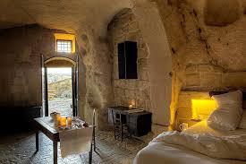 chambres d hotes troglodytes un hôtel troglodyte en italie troglodyte italie et ambiance