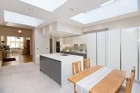 plan de cuisine ouverte sur salle à manger dcoration espace salon salle manger cuisine cuisine americaine