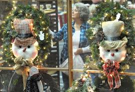 country christmas show begins in viking hall features
