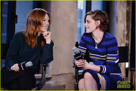 kristen stewart u0026 golden globes winner julianne moore discuss