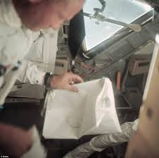 American Flag Bed In A Bag Neil Armstrong U0027s Bag Of Moon Landing Mementos Space Discovered In