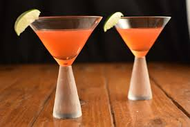 cosmopolitan martini recipe the classic cosmopolitan recipe the spicy apron