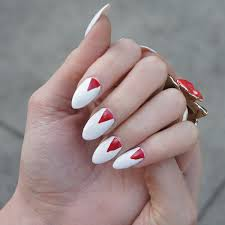 nails claws beautify themselves with sweet nails