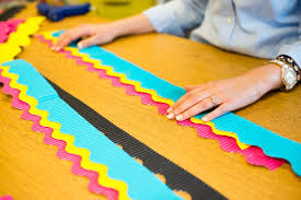 Classroom Soft Board Decoration Ideas An Easy Way To Layer Borders On Your Classroom Bulletin Boards