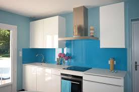 cuisine bleue et blanche étourdissant credence cuisine blanche avec decoration cuisine bleu