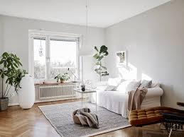 white and wood allspice design