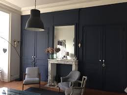 Appartement Haussmannien Deco Salon Appartement Haussmannien Peintures Foncées Bleu Marine