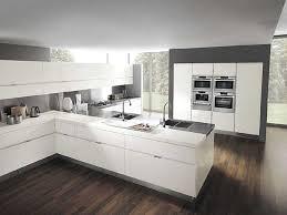 cuisine blanc laqué cuisine blanche laque avec cuisine blanc laquee blanche et bois