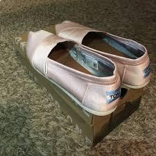 petal grosgrain toms 58 toms shoes size 8 5 petal grosgrain toms from s