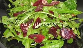 cuisiner le pissenlit salade de pissenlit et de betterave recette entrée pissenlit et