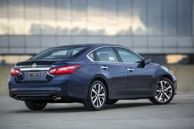 nissan altima 2015 acceleration 2016 nissan altima updated with maxima like design improved mpg
