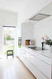 cuisine blanche parquet parquet blanc laqu fabulous with parquet blanc laqu