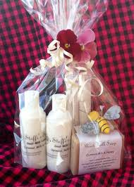 mothers day basket 15 best gift basket ideas for s happy s day 2013
