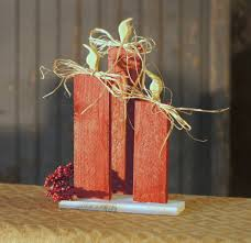 red reclaimed wood christmas candles rustic christmas decor