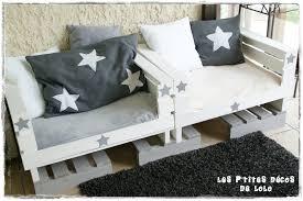 fabriquer canapé idée déco récup faire un canapé avec des caisses en bois et des