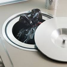 poubelle cuisine encastrable dans plan de travail darty propose un bac intégré au plan de travail qui permet de trier