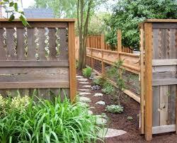 cloture jardin bois 95 idées pour la clôture de jardin palissade mur et brise vue