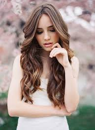 can hair be slightly curly or wavy musely