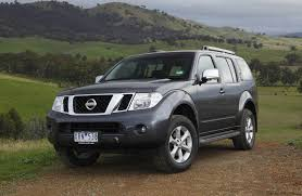 2010 nissan pathfinder range revised photos 1 of 10