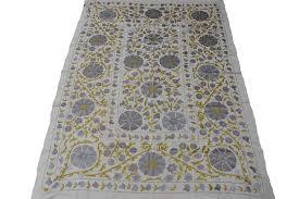 plaid gris pour canapé jeté de lit ou plaid pour canapé suzani ouzbekistan ethnique chic