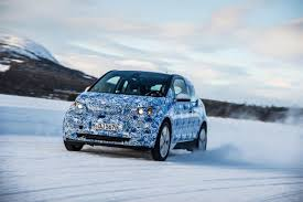 nissan leaf in snow how does the bmw i3 handle in winter