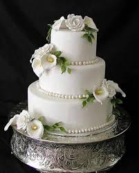 wedding cake stand goes wedding wedding cake stands with calla lilies 7