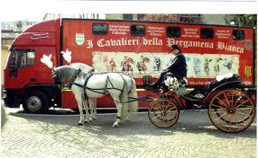 carrozze in vendita matrimoni in costume foto i cavalieri della pergamena di