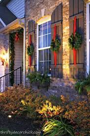 Christmas Decorations Outdoor Stairs by Best 25 Outside Christmas Decorations Ideas On Pinterest