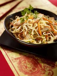 recette cuisine au wok nouvel an chinois recette du wok de nouilles sautées au poulet