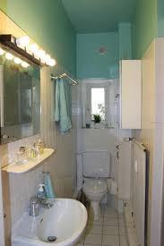badezimmer hamburg geräumiges badezimmer mit holzdecke weißen fliesen und