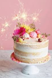 sparkler candles for cakes 25 coolest birthday cakes best of best 25 sparkler candles for