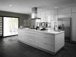 ilot cuisine blanc cuisine blanche sous le feu des projecteurs en 55 idées within