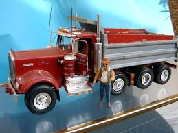 kenworth w900 model truck revell kenworth w900 dump truck under glass big rigs model