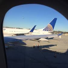 united airlines media baggage united airlines 68 photos 230 reviews airlines 3225 n
